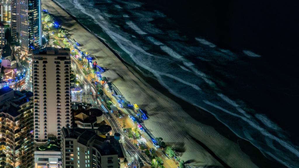俯瞰城市海滩全景夜景4k高清延时摄影素材图片设计 MP4模板下载 417.95MB 城市全景大全图片