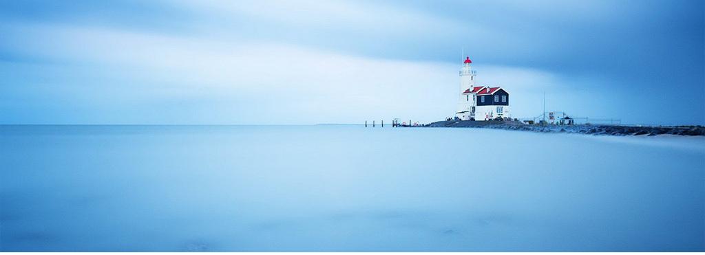 唯美梦幻风景励志孤独灯塔背景图素材