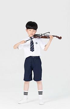 小男孩拉小提琴图片素材 小男孩拉小提琴图片素材下载 小男孩拉小提琴背景素材 小男孩拉小提琴模板下载 我图网图片